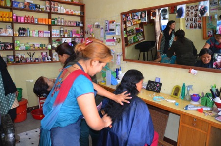 Rural women become self-sufficient even by installing beauty parlor