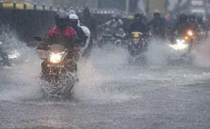 देश के इन इलाकों में आज हो सकती है भारी बारिश, जारी हुआ ऑरेंज अलर्ट!