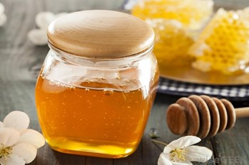 Happy cough is beneficial in honey tea, and also other benefits